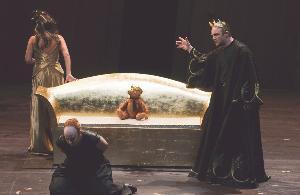 Titus pardonne, Georges en rit
