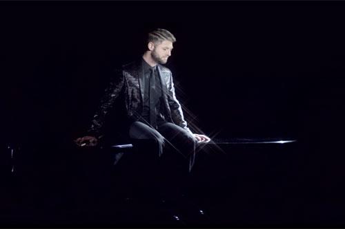 Pierre Lapointe en mode piano solo