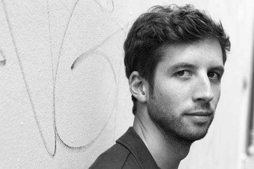 Guillaume Poix : « C'est plus simple pour les auteurs morts ! »