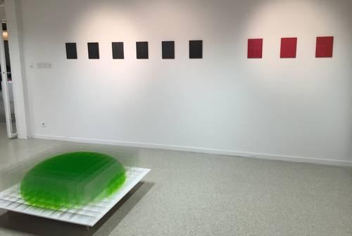 Biennale d'art non objectif : minimalisme essentiel