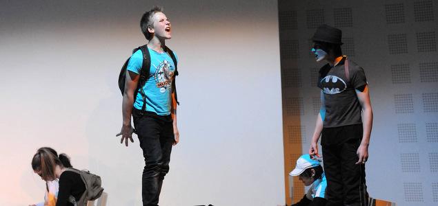 Soutenir l'option théâtre au lycée