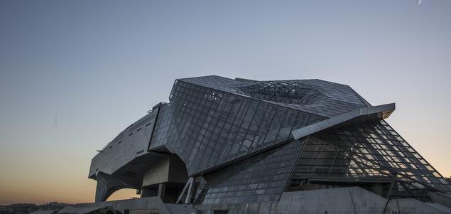 Le Musée des Confluences emporté par la foule