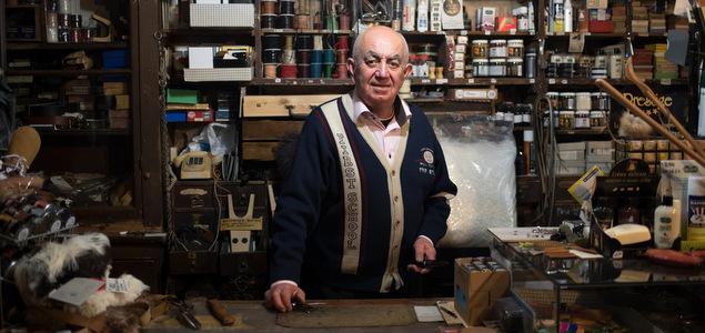 Le Crépin de Lyon : Chapka fourrée et bottes de cuir