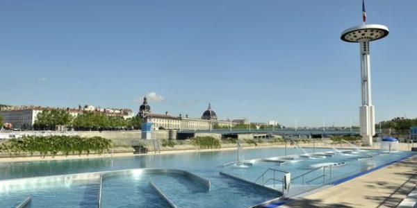 La piscine du Rhône à la page