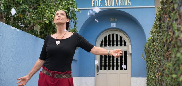 Critique du film Aquarius de Kleber Mendon�a Filho (Br�, 2h25) avec Sonia Braga, Maeve Jinkings, Irandhir Santos� (sortie le 28/09) Aquarius CINEMA