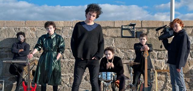 """Critique du film Sing Street """"Sing Street"""" : band de jeunes CINEMA"""