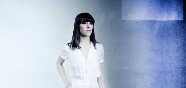 Emily Loizeau chante Mona