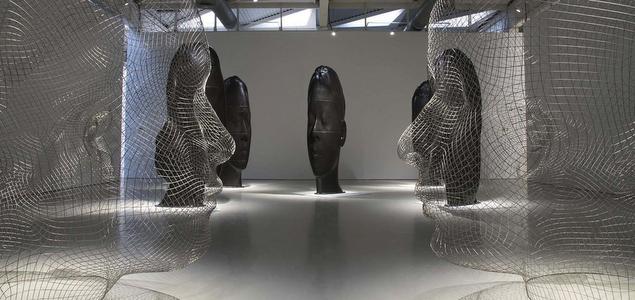 Les grosses têtes au musée
