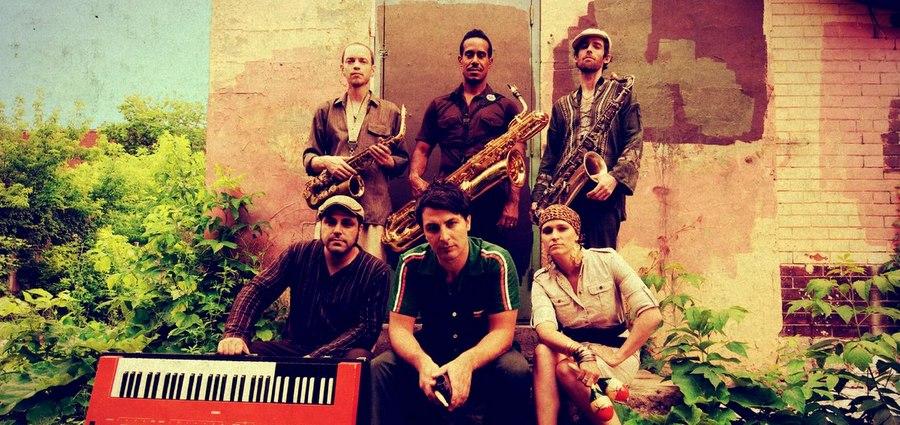 The Souljazz Orchestra, machine à danser