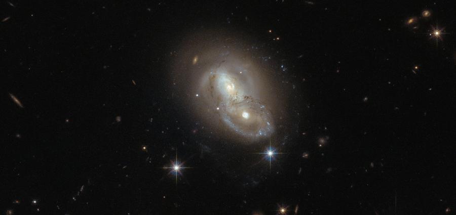 Duo galactique dans le Lièvre