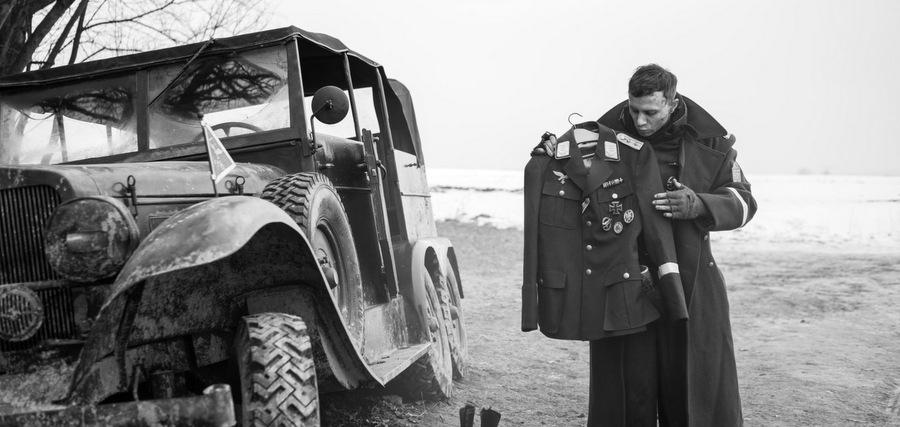 L'habit fait le nazi :