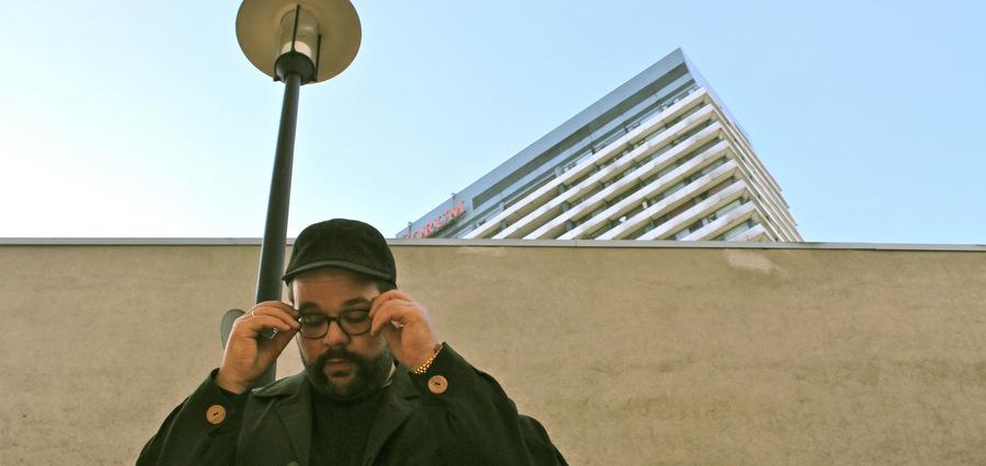 Mix à contre-courant avec DJ Normal 4