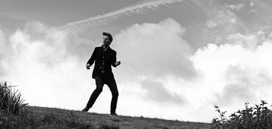 Bertrand Belin : des hommes qui tombent