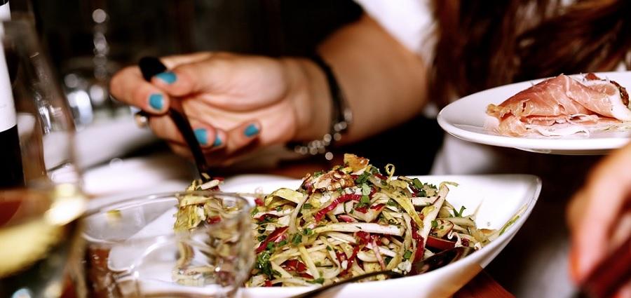 Partagez un repas avec des étudiants étrangers