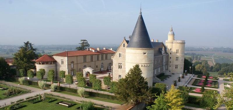 Un incendie au Château de Bouthéon