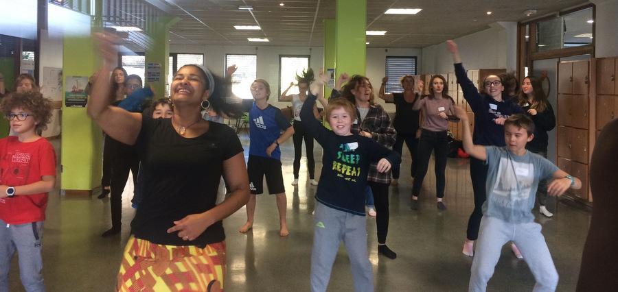 Hexagone : à l'école de la scène