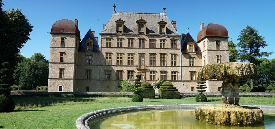 À Fléchère, un château comme un personnage de cinéma