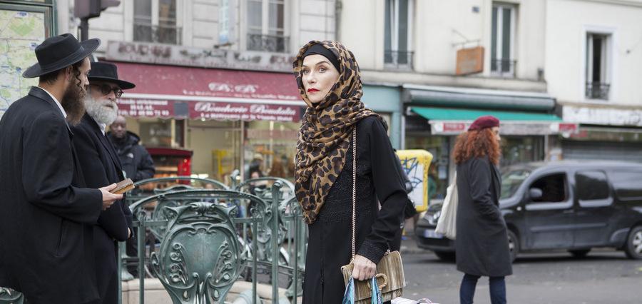 Shit et chut : Isabelle Huppert rayonne dans