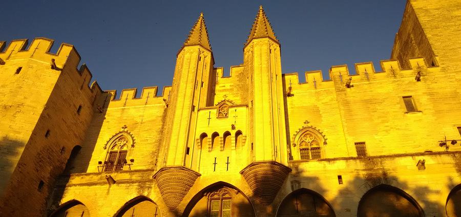 Avignon : papes, etc