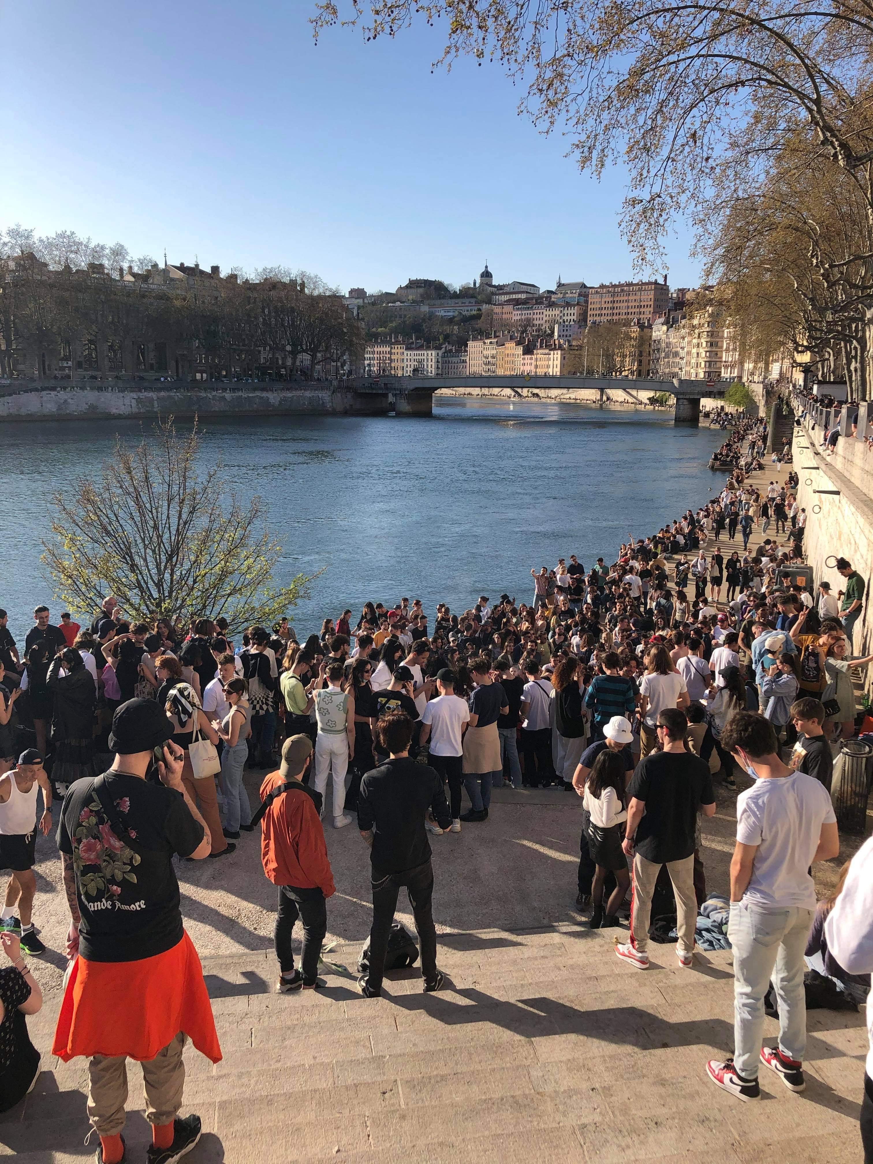 Les deux initiateurs de l'apéro sur les quais de Saône se sont rendus à la police