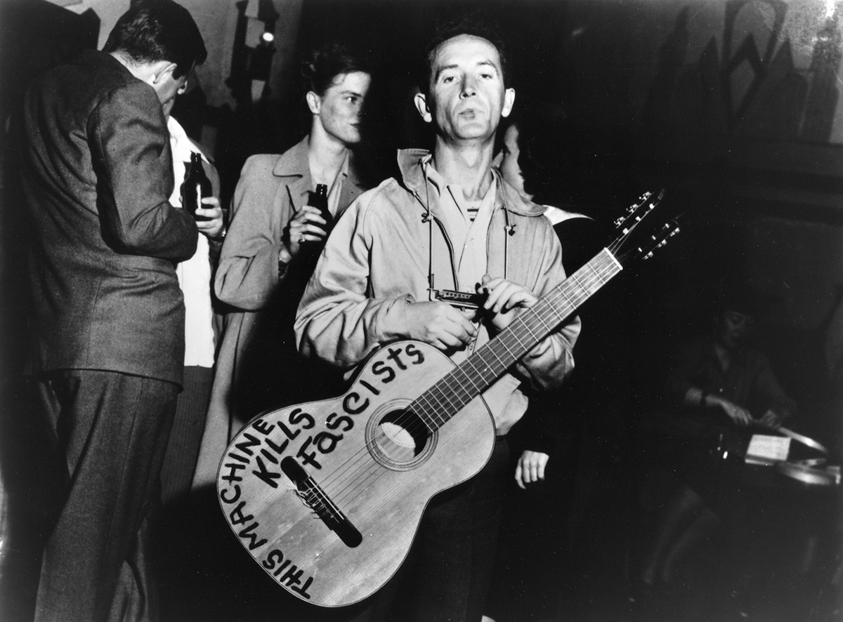 Woody Guthrie : Lui, the people