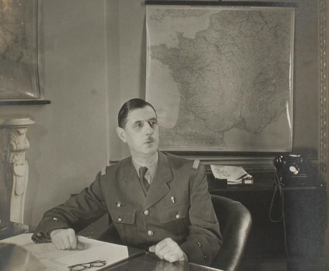 De Gaulle x Saint-Etienne : un hommage avec expo, buste et podcast