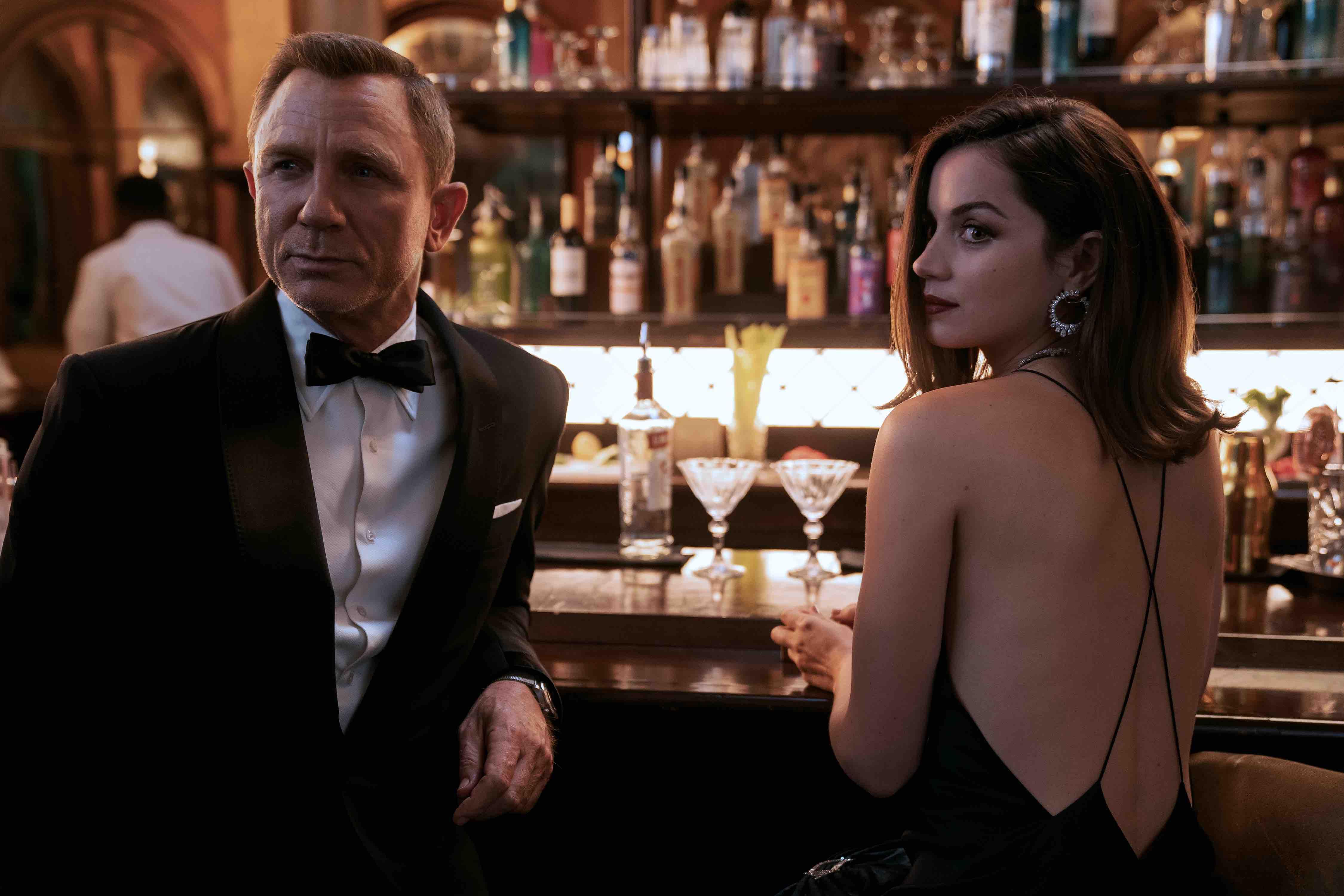 James Bond : Mourir et laisser vivre