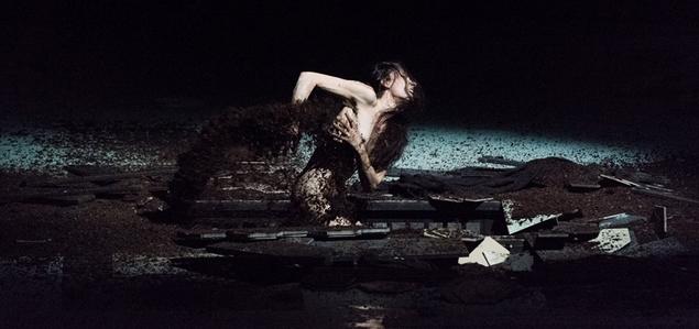 AB-SURDUS. Jeanne au bûcher mis en scène par Roméo Castellucci.