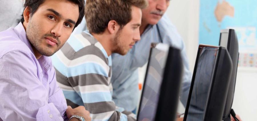 Faut-il être doué en informatique pour trader en ligne ?