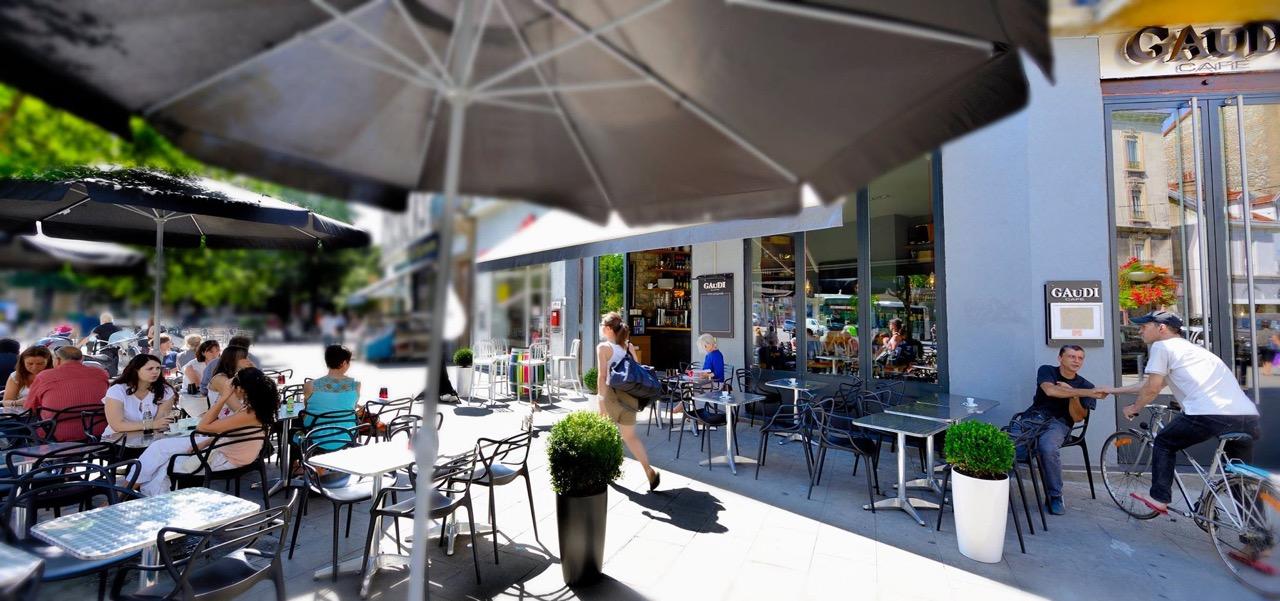 Le Gaudi Café restaurant terrasse Grenoble