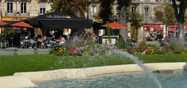 Le Palais restaurant terrasse Grenoble